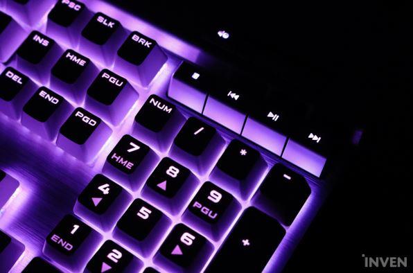 K70 RGB MK.2 SE 은축.JPG